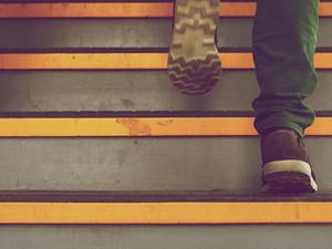 Subo 5 andares de escada todos os dias (90 degraus). Posso me considerar fora do grupo de sedentarismo só por essa atividade?