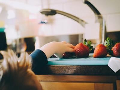 Passe a observar a alimentação de suas crianças e jovens