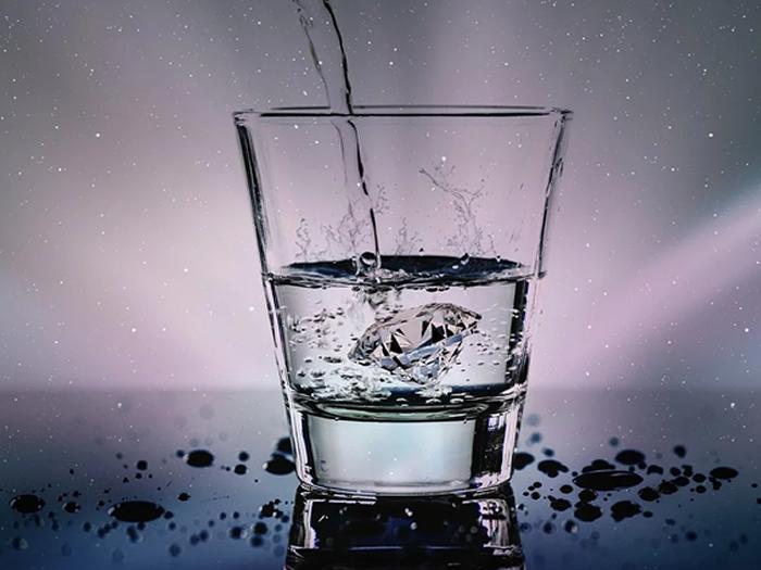 Cuidados com a hidratação de diabéticos e hipertensos durante o verão
