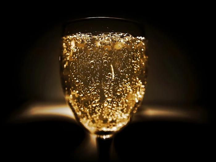 Consumo de álcool durante a quarentena deve ser reduzido para evitar riscos à saúde