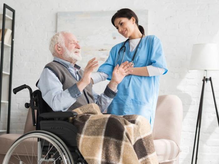Coronavírus: Cuidados que devem ser tomados com as pessoas idosas com deficiência