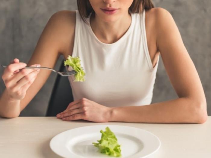Quarentena: não é hora de fazer dietas restritivas, que podem prejudicar a saúde e o sistema imune