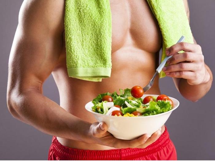 Dieta, treino, suplementos e tudo que você precisa para não perder massa muscular na quarentena