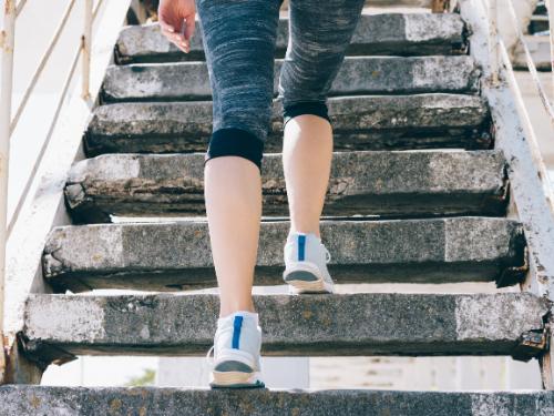 Correr ou subir escada